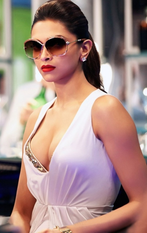 Best indian cleavage