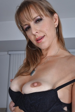 Mature clothed side boob