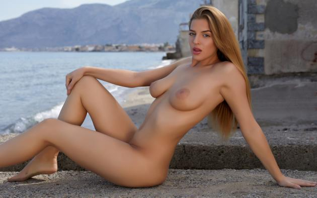 Sexy big breasted girls naked
